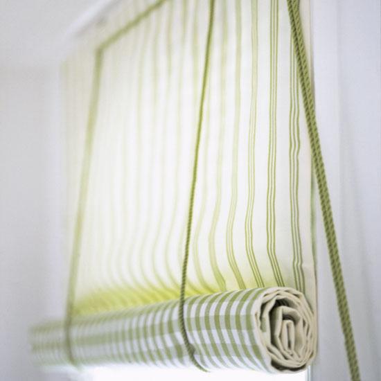 Оригинальная шторка как для окна, так и для стеклянной двери