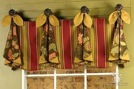 Шторы с петлями из старинных полотенец