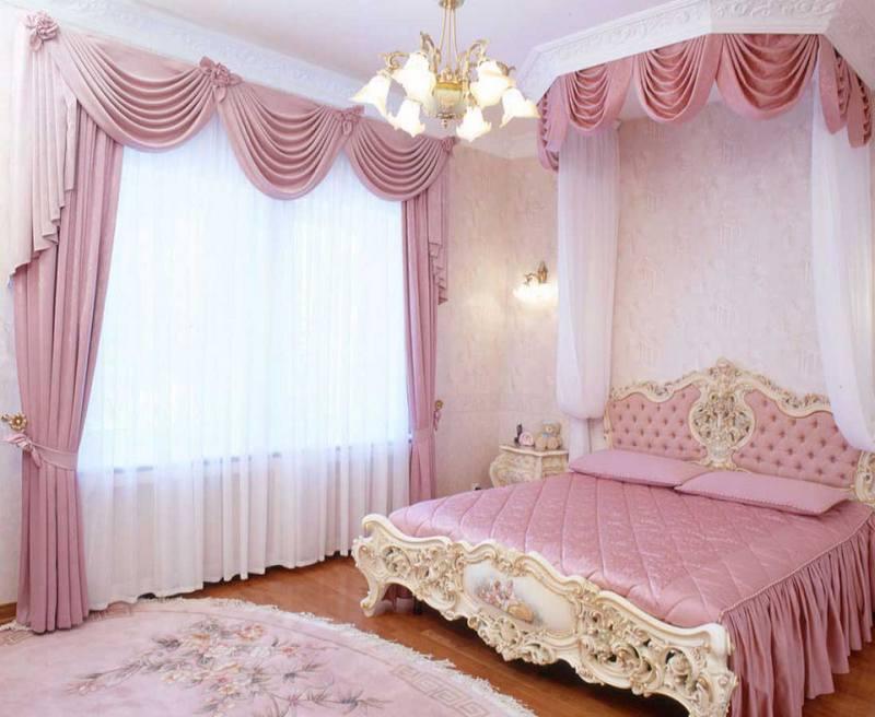 Розовый цвет штор в интерьере