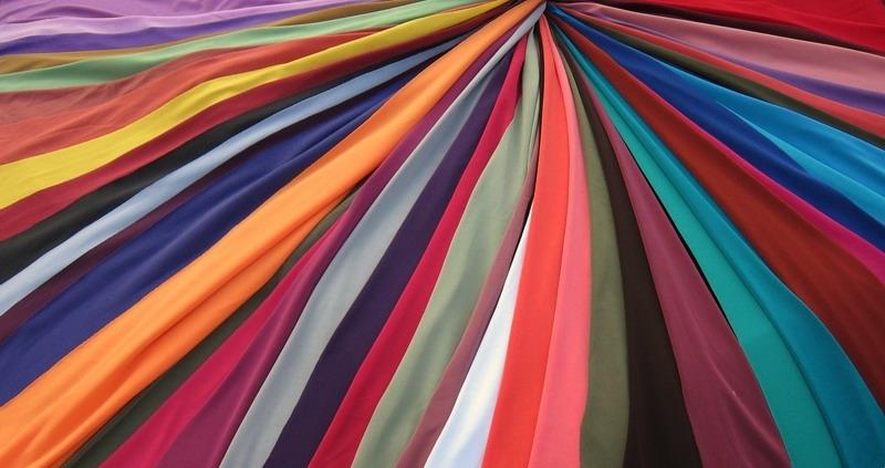 Выбор ткани для штор требует особого внимания