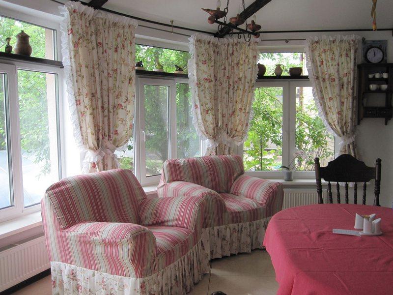 Шторы для гостиной в стиле прованс