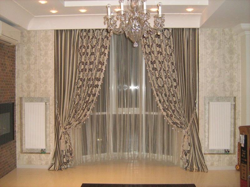 Прекрасные декоративные шторы для зала